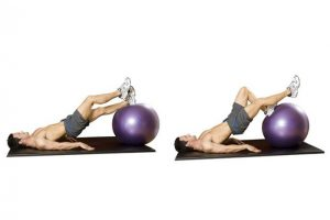 Exercises on butt fitball